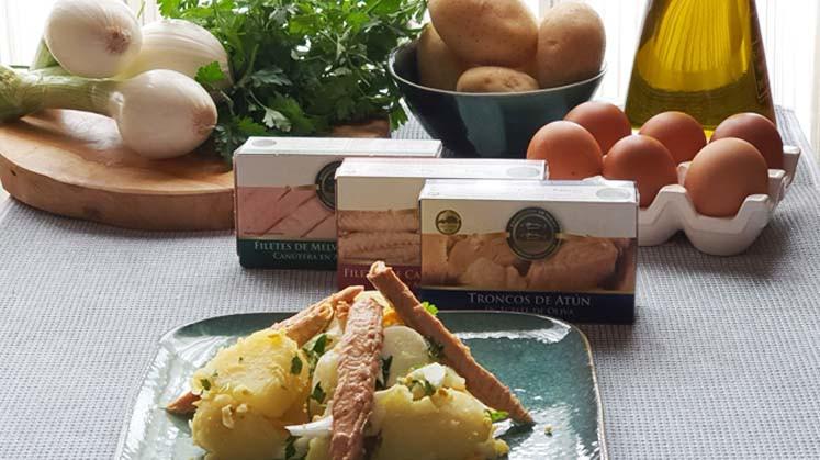 Spanischer Kartoffelsalat Papas alinas mit der Essenz aus Cadiz